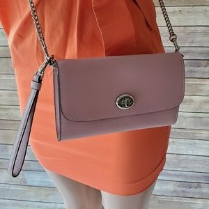 NWT Coach Chain Crossbody Bag in Carnation F33390